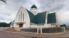 cathédrale Bukavu.jpg