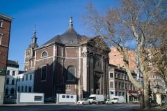église du saint sacrement 46075970484_29e8bdd4bd_b.jpg
