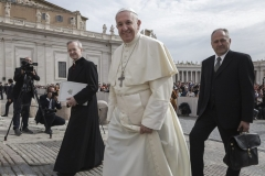 Francois-delegation-deveques-allemands-Vatican-Rome_0_728_486.jpg