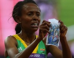 Meseret_Defar_of_Ethiopia_wins_gold_in_the_Womens_5000m_Final_Credit_Alexander_Hassenstein_Getty_Images_Sport_Getty_Images_CNA_US_Catholic_News_8_10_12.jpg