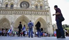 cathedrale-notre-dame-paris-touristes-fideles-payer-entree.jpg