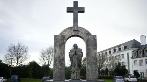 statue-jean-paul-ii-ploermel-2ed9ee-1@1x.jpeg