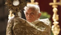 Corpus-Christi-pope-banner-640x375.jpg