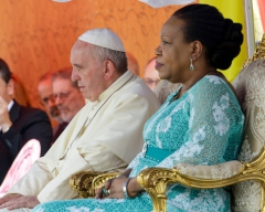 Catherine-Samba-Panza-Je-confesse-tout-le-mal-qui-a-ete-fait-en-Centrafrique-et-je-demande-pardon_article_main.jpg